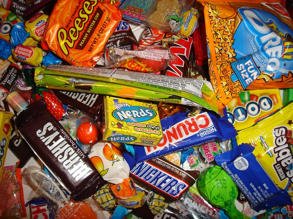http://www.multiplesandmore.com/wp-content/uploads/2011/10/halloween-candies.jpg